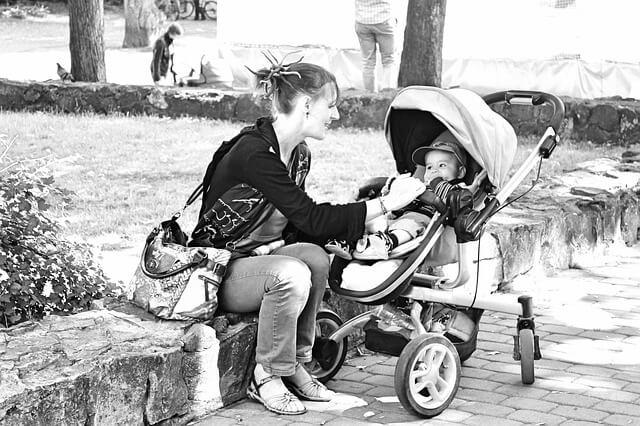 Pracująca mama – jak sobie radzić z godzeniem obowiązków